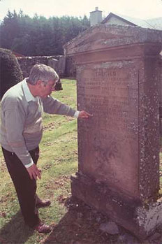 http://scottishgenealogyresearch.com/uploads/images/small/david-roseburgh.jpg